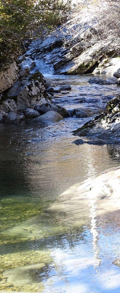 4 intimes - Vallée du Jabron - un ruisseau